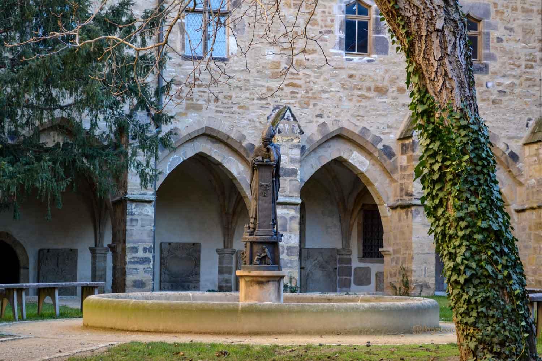 Thietmarbrunnen Kreuzgang Kaiserdom Merseburg