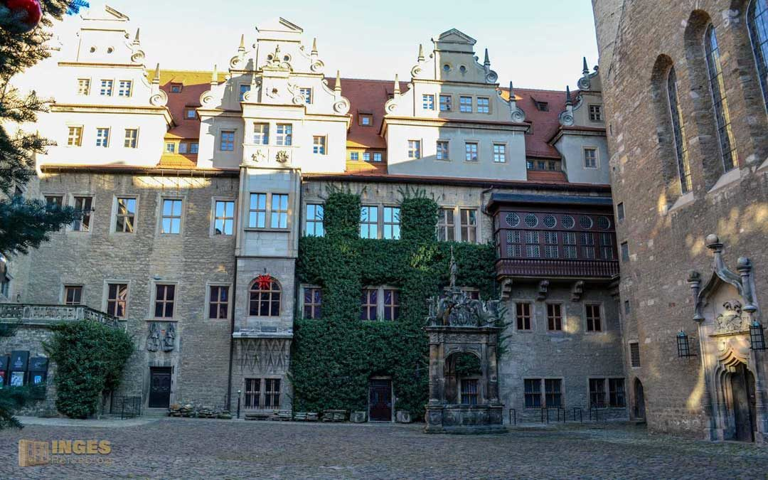 Schloss Merseburg und der Rabe