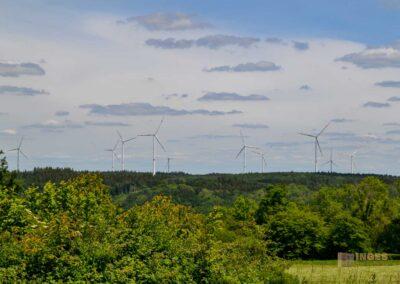 Kalte Feld Schwäbisch Gmünd-Blick auf den Windpark Lauterstein