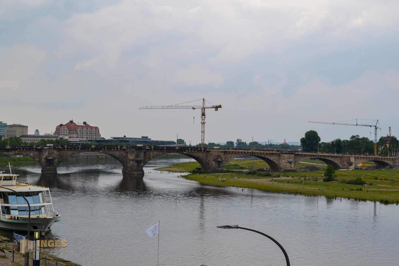 Die Augustusbrücke die die Dresdner Neustadt mit der Altstadt verbindet