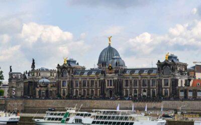 Die Brühlsche Terrasse und die Festung in Dresden