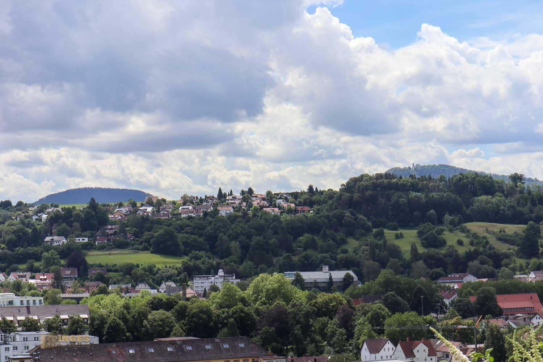 Blick von St. Salvator auf den Rechberg und Stuifen