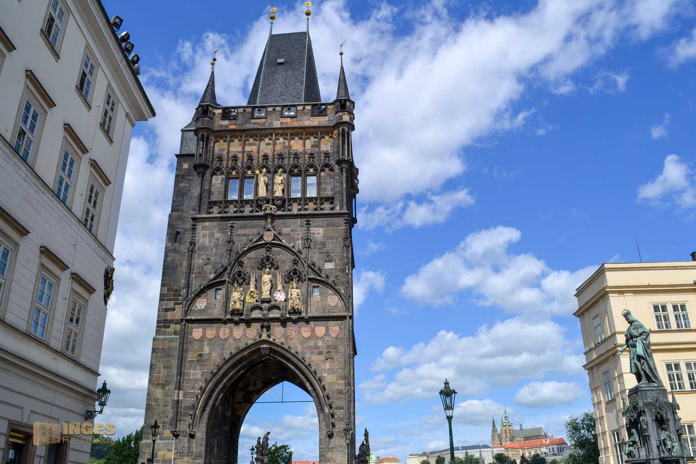 Altstädter Brückenturm vor der Karlsbrücke in Prag