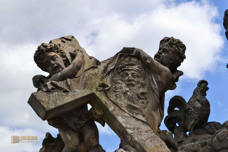 Statue Die Madonna mit dem Hl. Bernhard auf der Karlsbrücke