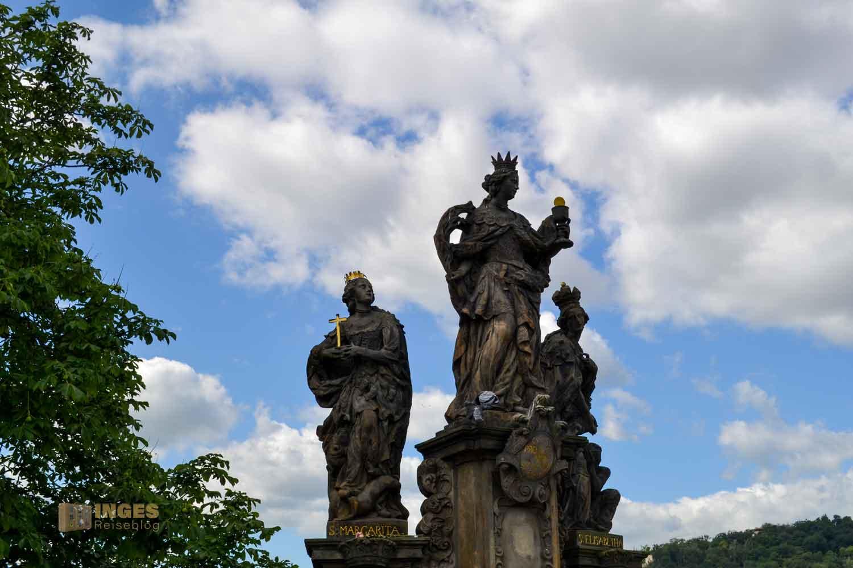 Statuengruppe hll. Barbara, Margarete und Elisabeth auf der Karlsbrücke in Prag
