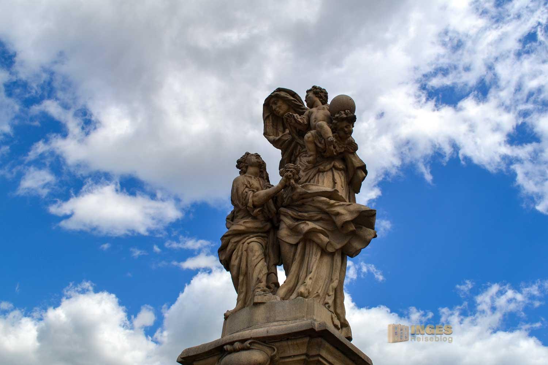 Die Heilige Anna selbdritt auf der Karlsbrücke