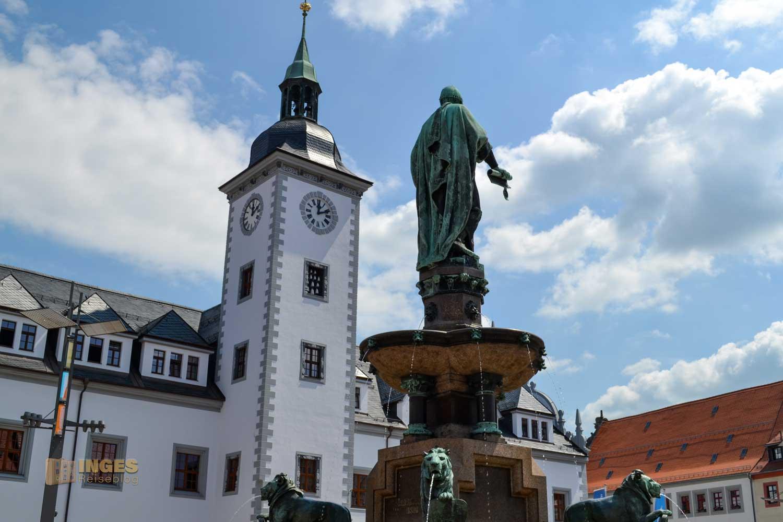 Rathaus und Löwenbrunnen Silberstadt Freiberg