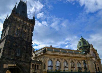 Pulverturm und Gemeindehaus in der Prager Altstadt