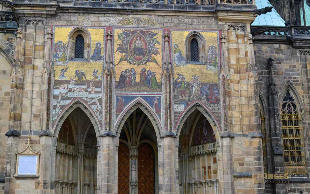 Königsweg durch Prag zum St. Veits Dom-Goldene Pforte
