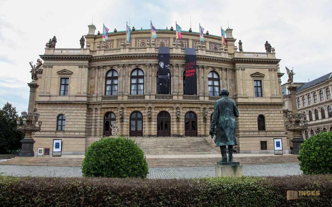 Das Rudolfinum in der Prager Altstadt