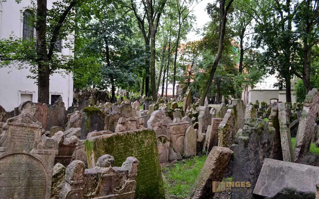 Der alte Jüdische Friedhof in Prag