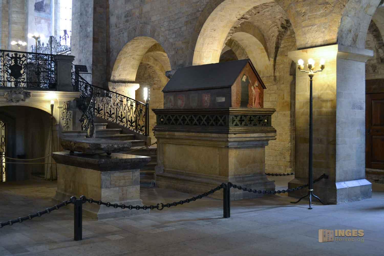 Grabmal Fürst Vratislav I. St.-Georgs-Basilika auf der Prager Burg