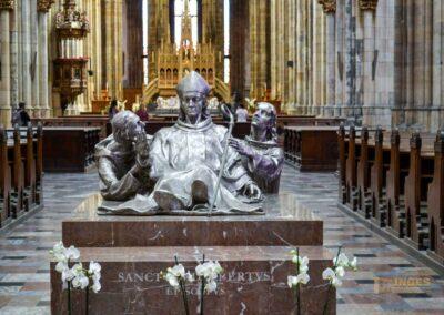 Grabmal des Hl. Adalbert im Veitsdom in Prag