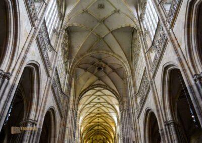 Deckengewölbe im Veitsdom in Prag