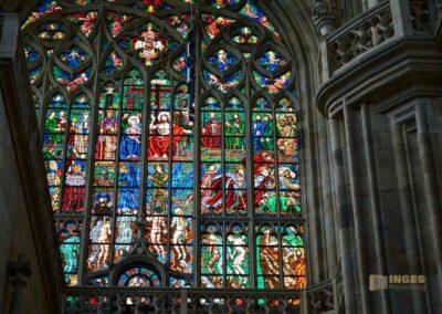 Glasfenster Jüngstes Gericht im Veitsdom in Prag