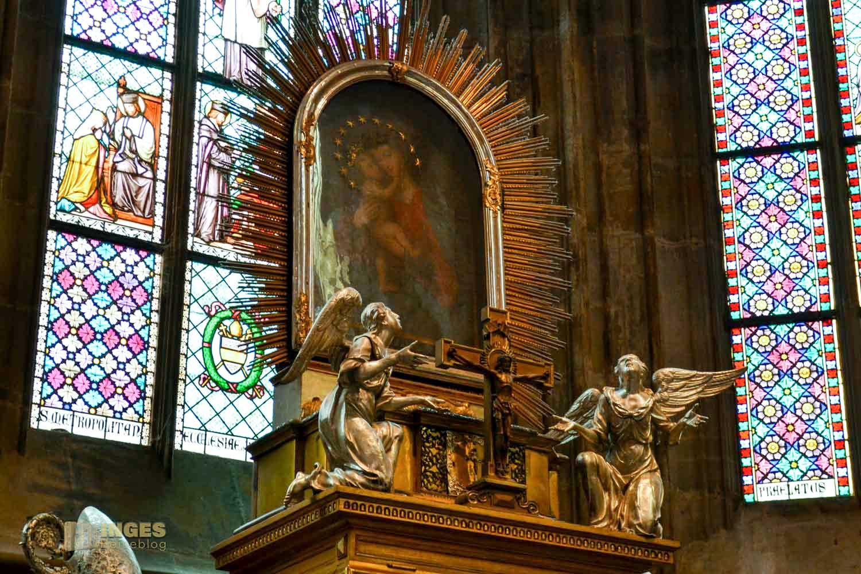 Kapelle des Hl. Johannes Nepomuk im St. Veits Dom in Prag