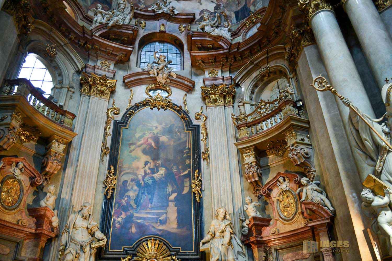 Seitenaltar in der St.-Nikolaus-Kirche auf der Prager Kleinseite
