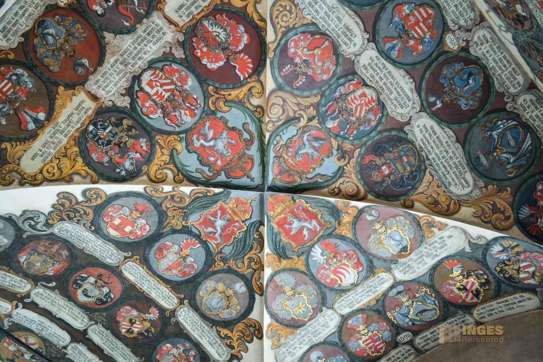Die alten Landtafeln im Alten Königspalast auf der Prager Burg