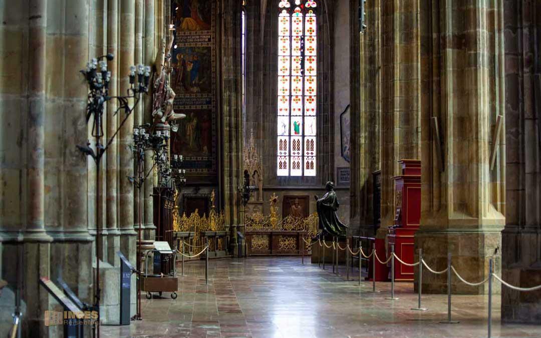 Prag-Seitenkapellen