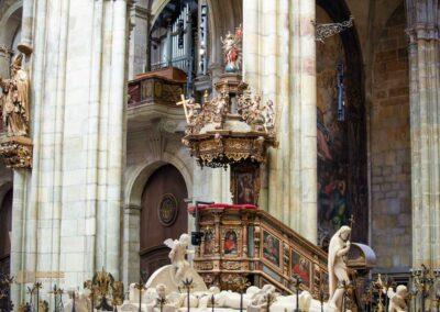 Kanzel im Veitsdom in Prag