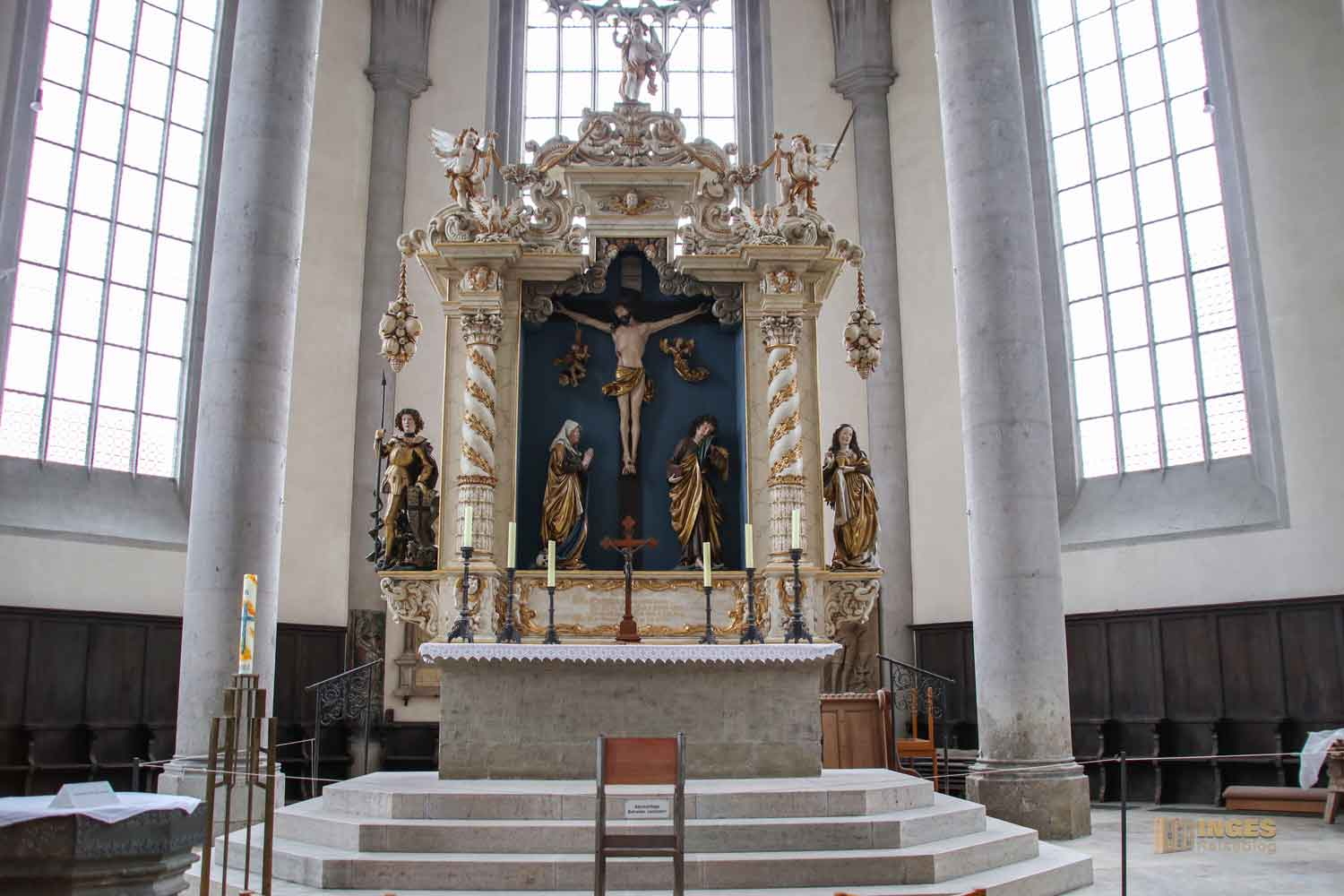 Hauptaltar in St. Georg in Nördlingen