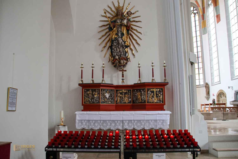 Marienaltar in der St. Salvator Kirche in Nördlingen