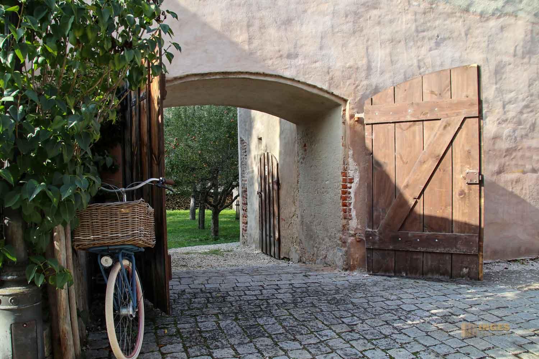 An der Stadtmauer in Nördlingen