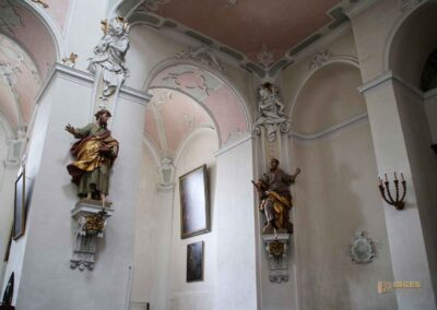 Apostel- und Evangelistenfiguren in der Basilika St. Vitus in Ellwangen