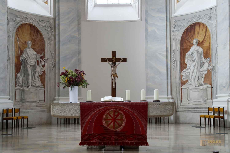 Chorraum in der Evangelischen Stadtkirche in Ellwangen