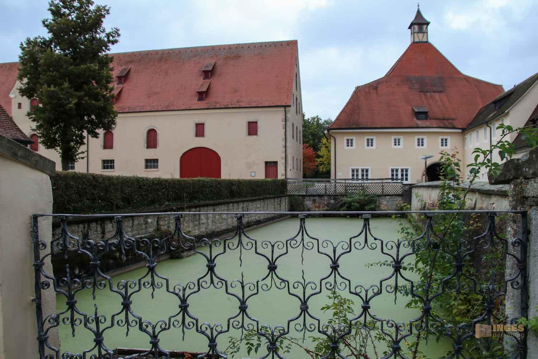 Löschteich im Schloss ob Ellwangen