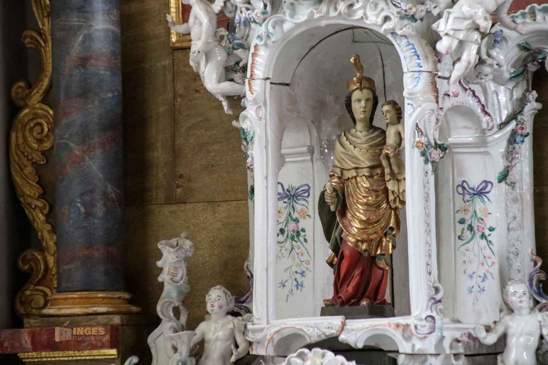 Fayence-Altar in der St.-Antonius-Kapelle in Schrezheim