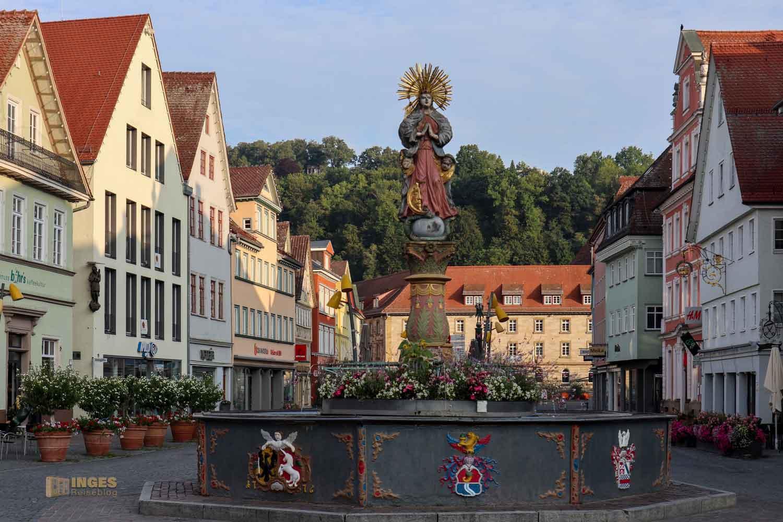 Marienbrunnen am Marktplatz in Schwäbisch Gmünd