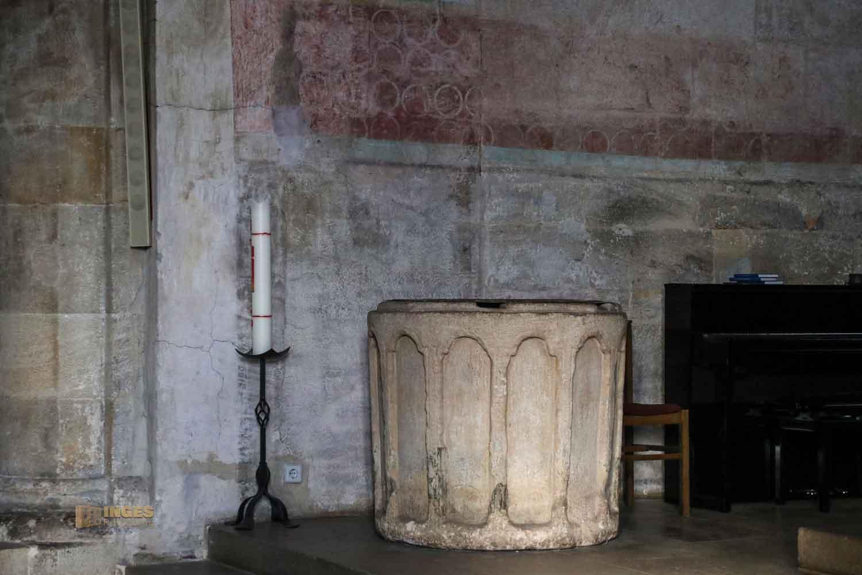 Taufstein in der Stiftskirche Faurndau 0670