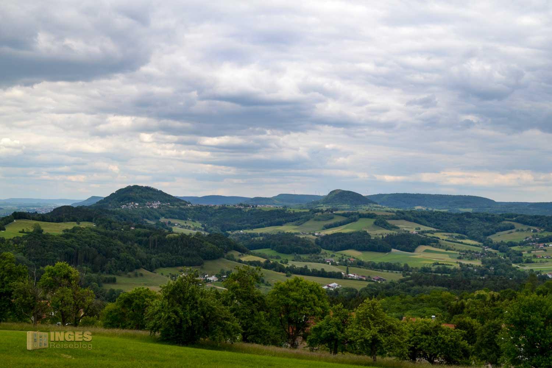 Blick auf den Hohenrechberg und Stuifen vom Hohenstaufen 0031