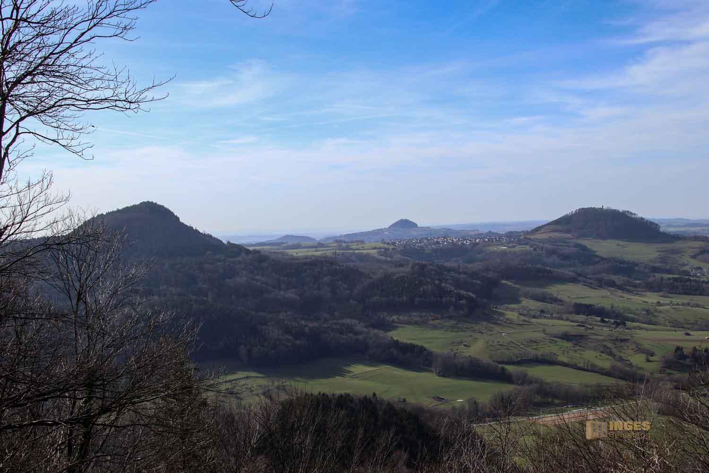 Blick vom Hornberg auf die Drei-Kaiserberge 0001