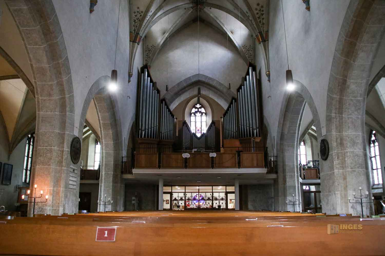 Innenansicht evang. Stadtkirche Geislingen 0434