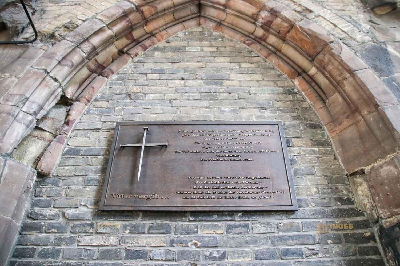 Nagelkreuz von Coventry im Mahnmal St. Nikolai in Hamburg 7655