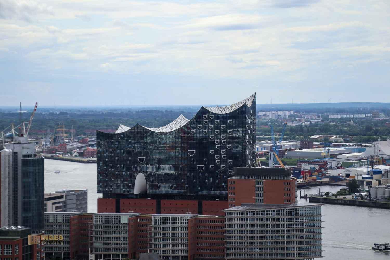 Blick vom Michel auf die Elbphilharmonie in Hamburg 8644
