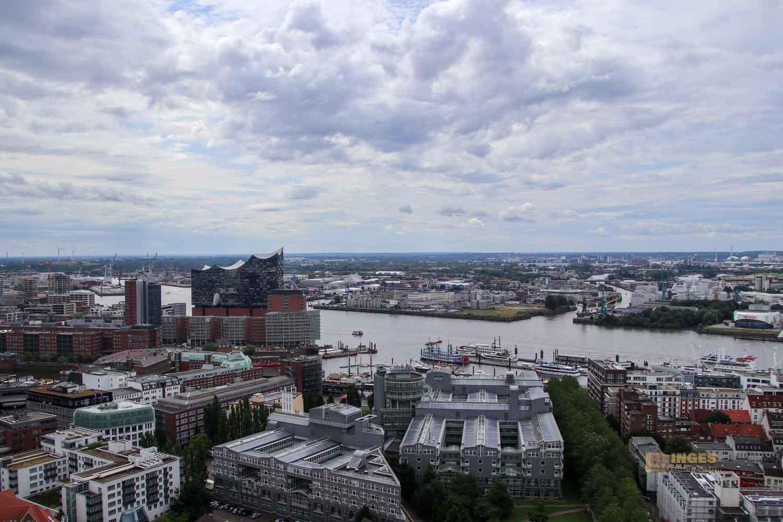 Blick vom Michel auf die Elbphilharmonie in Hamburg 8645