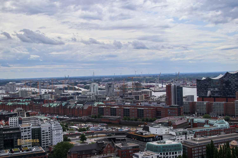 Blick vom Michel auf die Speicherstadt in Hamburg 8659