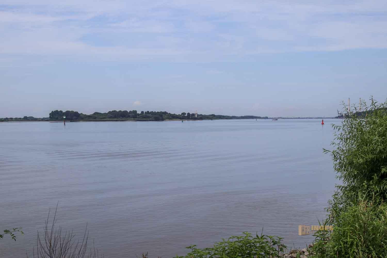 Blick von Blankenese zum Naturschutzgebiet Neßsand 0824
