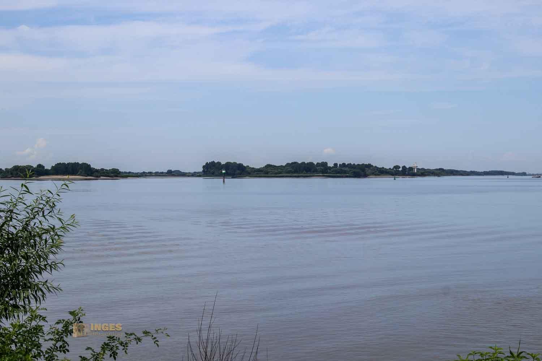 Blick von Blankenese zum Naturschutzgebiet Neßsand 0826