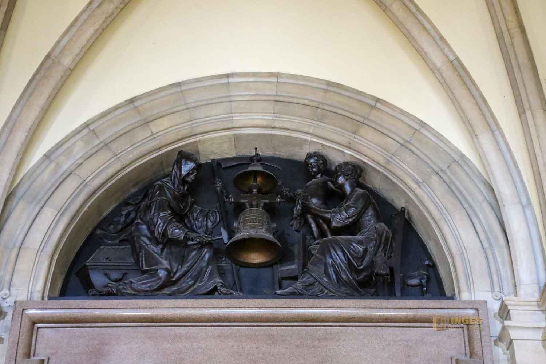 Dielenuhr im Hamburger Rathaus 6184