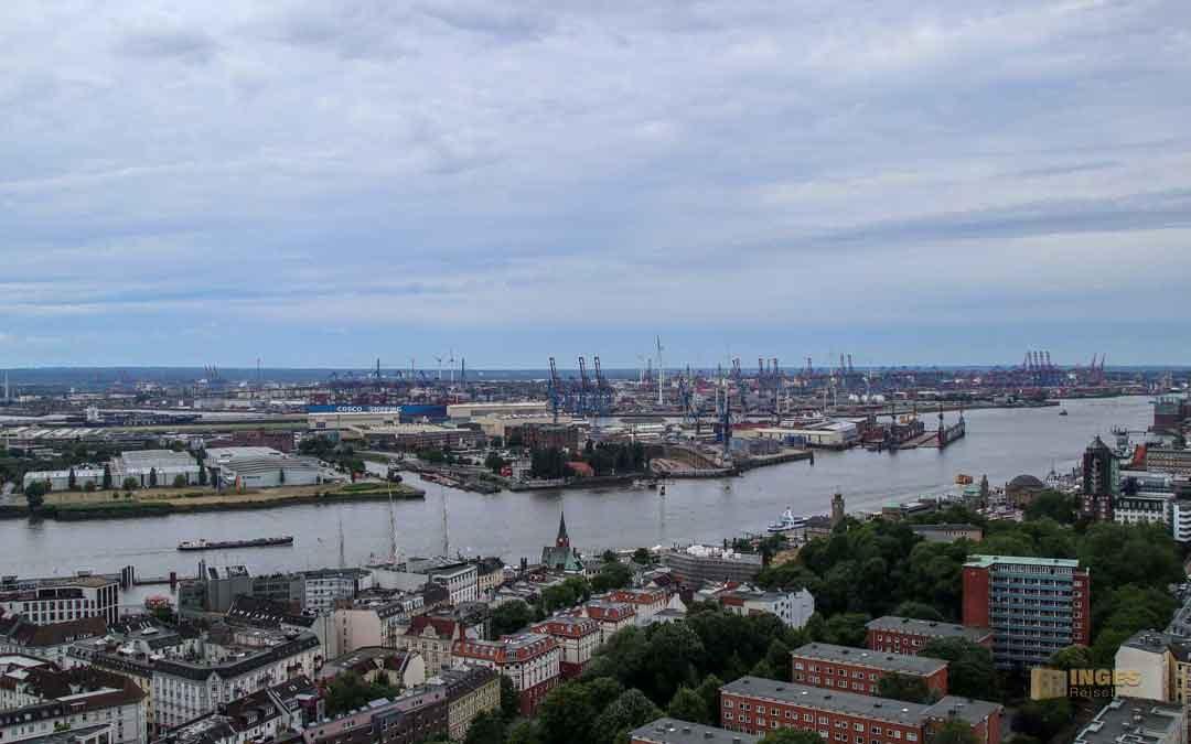 Blicke vom Michel über Hamburg