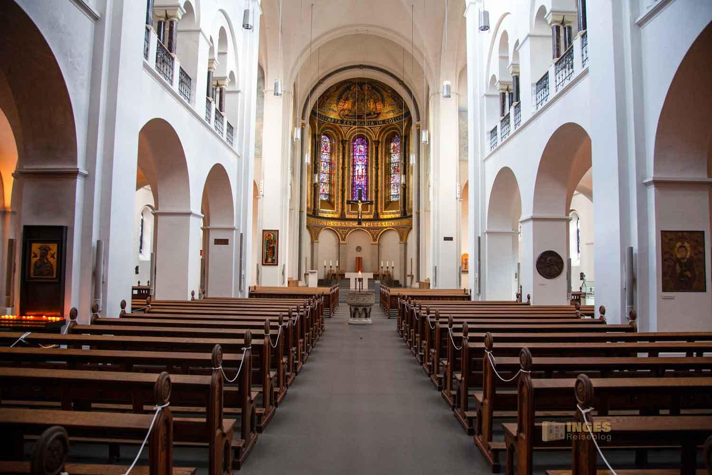 Innenansicht St. Marien-Dom Hamburg 0254-O