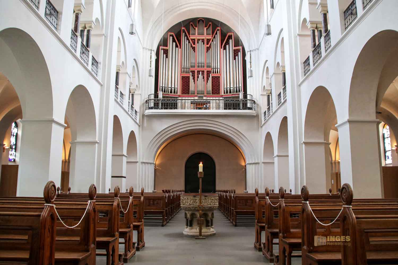 Innenansicht St. Marien-Dom Hamburg 0281