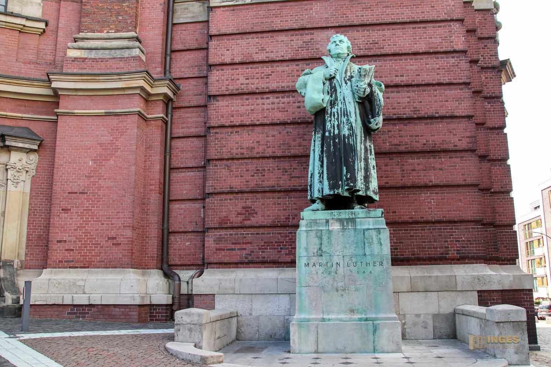 Martin Luther-Statue am Michel in Hamburg 8497