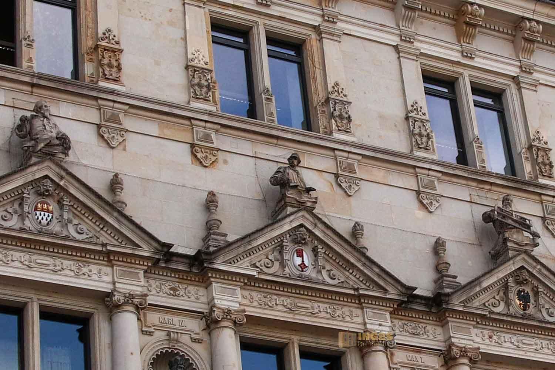Skulpturen Hamburger Rathaus 7816_B
