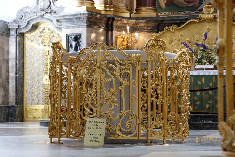 Zelebrationsaltar im Michel in Hamburg 8404
